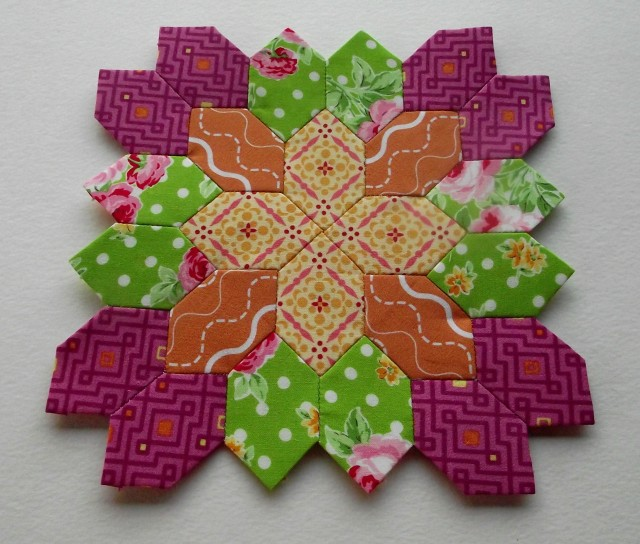 Lucy Boston Patchwork of the Crosses Block